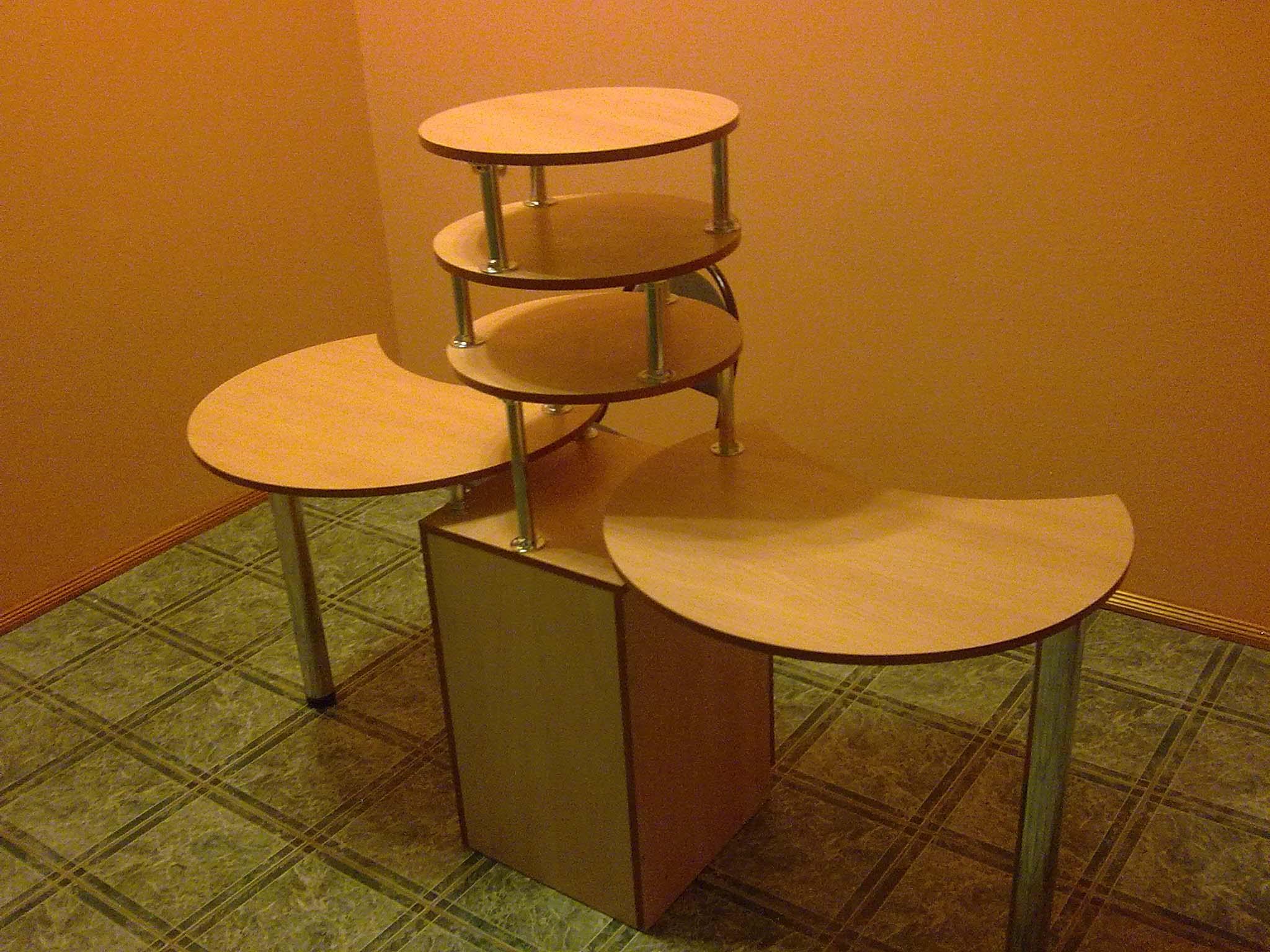 Столик для маникюра